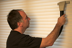 Hunter Douglas blind cleaning